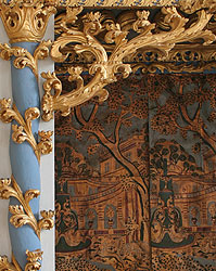 Gilt panelling in the north wing of Schloss Oranienbaum