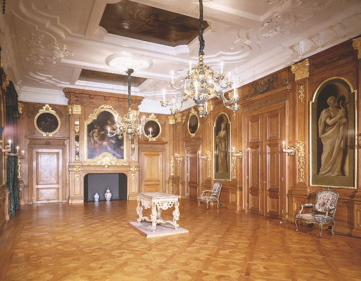 The Golden Hall in the Mauritshuis with the wall paintings by Giovanni Antonio Pellegrini.