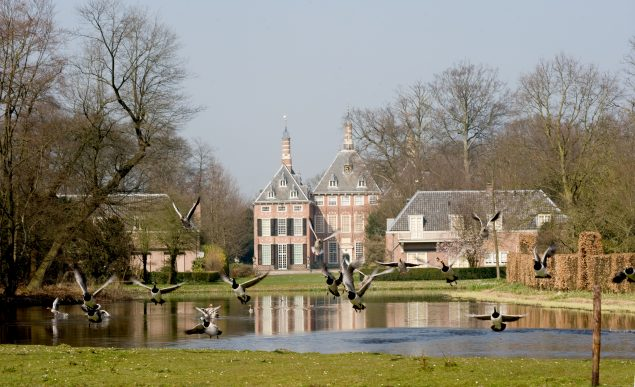 Kasteel Duivenvoorde. Photo: Roel van Norel, TasT, projecten voor tastbaar erfgoed (projects for cultural heritage)