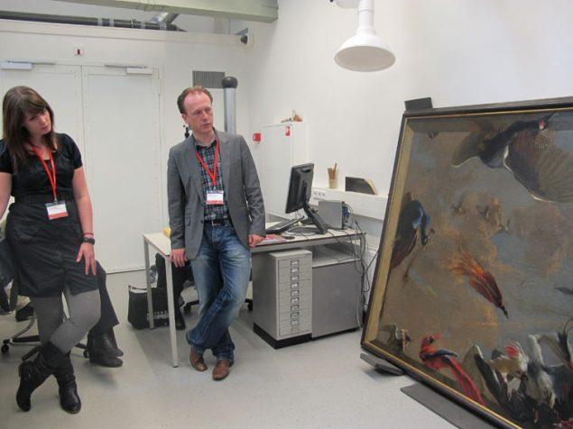 Sander Paarlberg in the restoration studio of the Dordrechts Museum