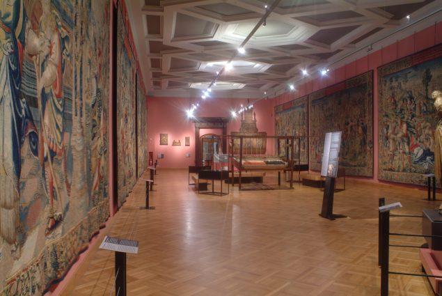 Gallery of tapestries, Cinquantenaire Museum