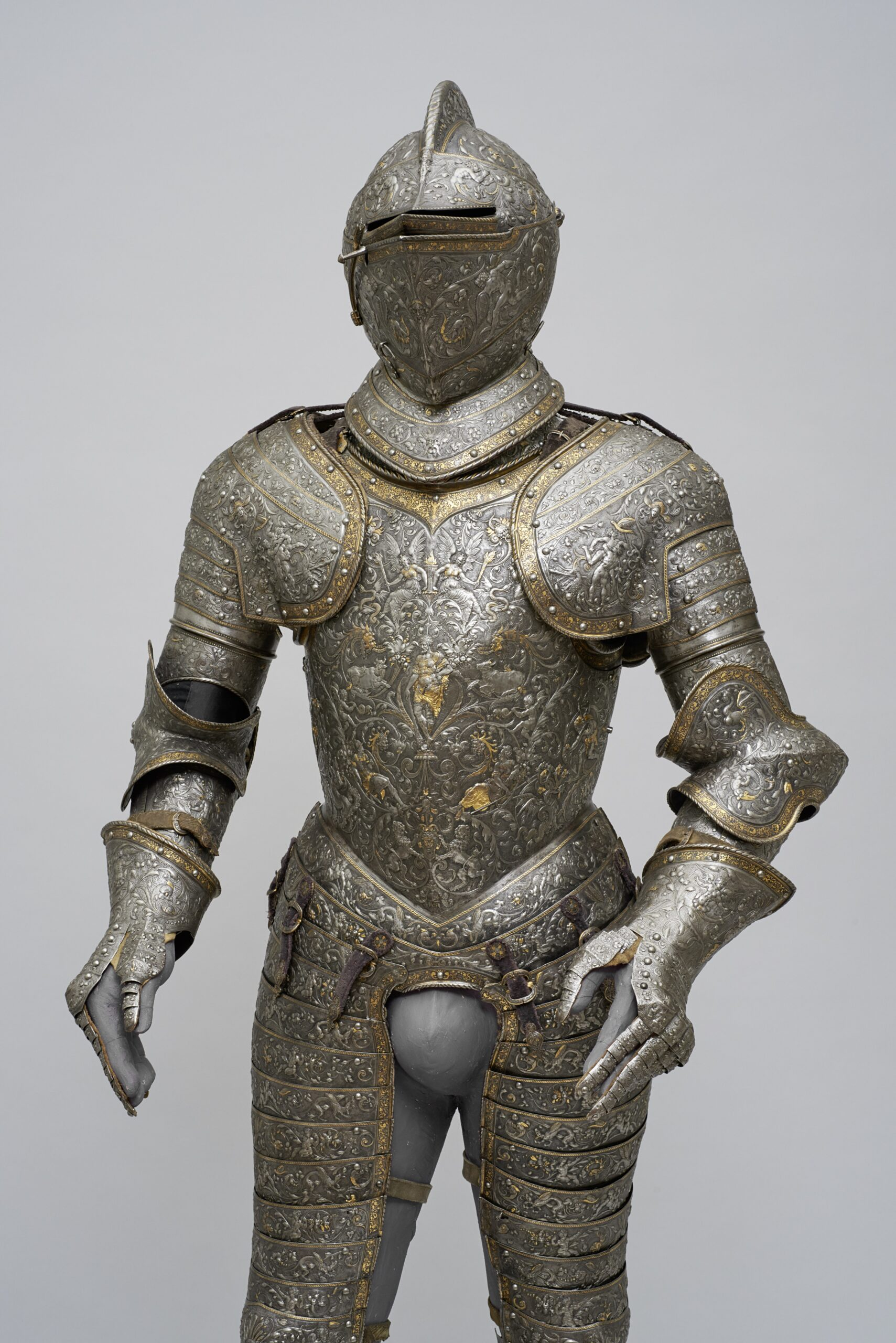 Fig. 1: The so-called Hercules Armor of King (Emperor) Maximilian II (1527-1576), Franco-Flemish, ca. 1555/60 Kunsthistorisches Museum, Vienna