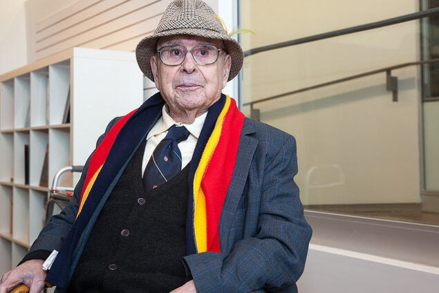 Alfred Bader during a visit to the Agnes Etherington Art Centre in 2014 Photo: queensu at Flickr.com (CC BY-NC-ND 2.0)