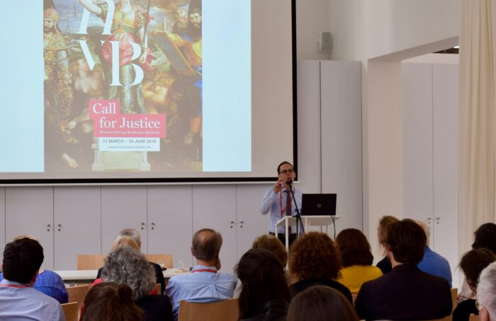 Samuel Mareel, Curator at Museum Hof van Busleyden, during his lecture about the exhibition Call for Justice. Art and Law in the Burgundian Low Countries