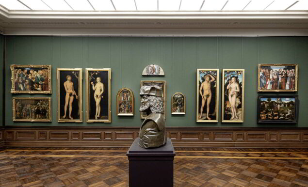 Scultpures and paintings are comined in the new Cranach room (Photo: Oliver Killig © Gemäldegalerie Alte Meister, Staatliche Kunstsammlungen Dresden)