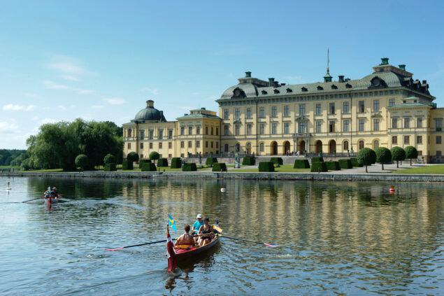 Drottningholm Palace seen from the lake (photo: Gomer Swahn - ©Kungl. Hovstaterna)